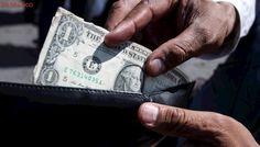 La Bolsa de valores sube 0.24% y el peso se deprecia: el dólar se vende hasta en 18.18