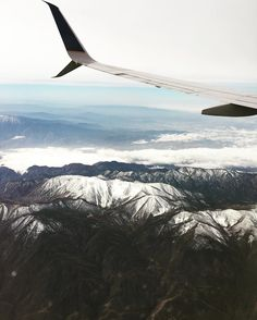 En route  #airplane #airplanes #flight #wing #business #startup #businesstrip #startups #startuplife #startupgrind #grind #techstartup #careers #career #mountains #boston #la #travel #traveling #travelphotography #travelphoto #horizon #massachusetts #mass #california #cali #snowy #snowymountains #skyline #scenic