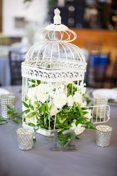 These #birdcages are great #centerpieces! #vintage {Magnolia Photography NC | SC}