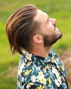 Undercut with Beard Haircut for Men. New Undercut with Beard Haircut for Men - Handsomely Cutthroat Impression. 21 Men S Disconnected Undercut Hairstyles that Look Fresh Af Mens Summer Hairstyles, Summer Haircuts, Haircuts For Men, Undercut With Beard, Beard Haircut, Undercut Hairstyles, Cool Hairstyles, Surfer Hairstyles, Daily Hairstyles