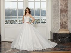 #wedding #bride #weddingdress #bridalgown #bridal #dianelegrand