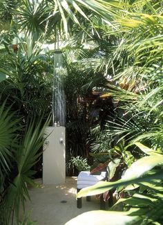 Dreamy Outdoor Baths......ahhhhh I can feel the spiders and snakes creepin' up on me now ^_^ lol so pretty though...