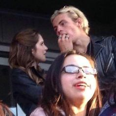 ross lynch and courtney eaton | Laura e Ross no camarote