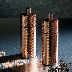 Want to bring a touch of glamour to your kitchen or dining table? This stunning MasterClass Hammered Salt and Pepper Mill Set has a hammered copper-style finish that looks simply delightful in any setting. Salt And Pepper Mills, Salt And Pepper Grinders, Gold Everything, Loft Kitchen, Kitchenware, Tableware, Aleta, Hammered Copper, Elegant Homes