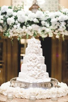 Stunning white cake from Allison and Lance's modern glam wedding in Memphis. So elegant! Luxe Wedding, Elegant Wedding, Memphis, Amazing Cakes, Proposal, Wedding Engagement, Wedding Styles, Wedding Cakes, Wedding Planning
