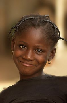 Little Girl in the Market - Africa - Laurent Rappa