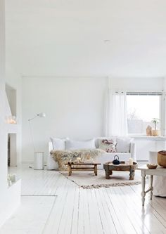 Apartment in Oslo by Line Kay | #hometour #totalwhite #interior #whiteinterior