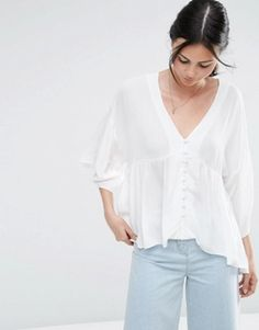 Browse online for the newest ASOS Crinkle V Neck Kimono Sleeve Blouse styles. Shop easier with ASOS' multiple payments and return options (Ts&Cs apply). Kimono Blouse, V Neck Blouse, Ruffle Blouse, Asos Tops, Blouse Styles, Crinkles, Shirt Blouses, Women's Shirts, Bell Sleeve Top
