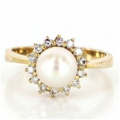 Pre-owned 14K Gold Cultured Pearl Diamond Princess Cocktail Ring ($395) ❤ liked on Polyvore featuring jewelry, rings, diamond band ring, vintage cocktail rings, gold band ring, vintage diamond rings and cocktail rings