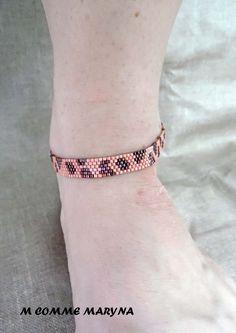 Bracelet de cheville tissé Miyuki chaîne de cheville indien léopard rose saumon et bronze tissage peyote : Chaines par m-comme-maryna Comme, Bronze, Bracelets, Gold, Etsy, Jewelry, Fashion, Pink Leopard, Indian