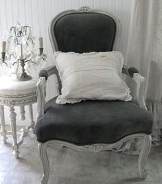 French Provincial Couch - Miss Mustard Seed's Milk Paint