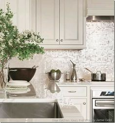 this tile is to die 4 Contemporary Kitchen Shimmer Backsplash Kitchen Tops, Kitchen Redo, New Kitchen, Kitchen Ideas, Gold Kitchen, Kitchen Backsplash, Kitchen Colors, Beautiful Kitchens, Interior Design Kitchen