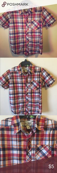 Red Paid Dress Shirt This short sleeve shirt is in excellent condition!! I'm having a huge sale on kids clothes, so check out my closet and the kids sale listing for directions on how to get 40% off bundles of 2+. Children's Place Shirts & Tops Button Down Shirts