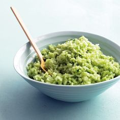Cilantro Lime Rice - Martha Stewart A stir-in of cilantro and lime juice transforms plain cooked rice into a lively side that's an ideal accompaniment for Mexican main dishes, such as Chicken Fajita Tostadas. Mexican Main Dishes, Indian Dishes, Great Recipes, Favorite Recipes, Easy Recipes, Amazing Recipes, Martha Stewart Recipes, Cilantro Lime Rice, Cooking Recipes