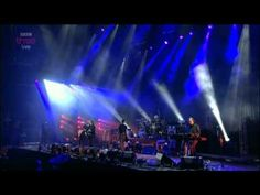 ▶ The Cure - Just Like Heaven - Reading 2012 - YouTube