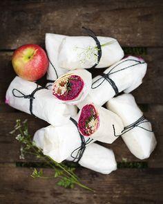 Recept uit The Green Kitchen | Wraps met bietjes, appel & geitenkaas