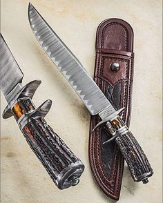 The blade is 'duplex ladder damascus' and Mastersmith Russ Andrews made it happen. Russ' knives are some of the few that can withstand close scrutiny. Paul Long is the sheathmaker, and at 80+ years old, he, too, defines 'Master'! ____________ NOTE: I do NOT know prices or availability. Please search maker for more info. #knifepics #knifephoto #sharpbycoop #knives #knifenut #knifestagram #knifecommunity #knifeporn #knifecollection #allknivesdaily #customknives #everyday_tactical #grailknives…