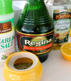 Low-calorie salad dressings that are easy to make with EVOO