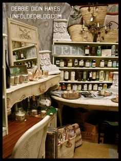 Junk Bonanza's Spectacular Displays and Merchandise! | Annie Sloan Unfolded