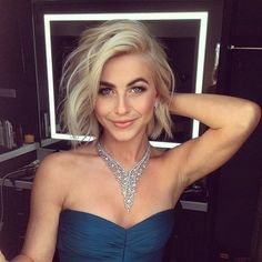 Julianne Hough always gives us major short hair inspiration. I love this color and cut.
