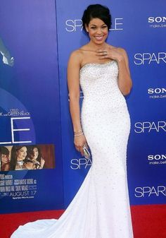 Jordan Sparks post-weight loss. Normal size, curvy and healthy. She looks great.