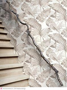 Designed for Living Jungle - Grå - Blomstret Tapet - Tapetkunst. Fern Wallpaper, 2015 Wallpaper, Tropical Wallpaper, White Wallpaper, Wallpaper Roll, Cool Wallpaper, Designer Wallpaper, Wallpaper Jungle, Interior Wallpaper