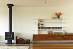 Doherty Design Studio's Jan Juc residence living room shelving and fireplace. Living Room Shelves, Architect House, Back To Nature, Decoration, Home And Living, Living Spaces, Living Area, Beach House, Family Room