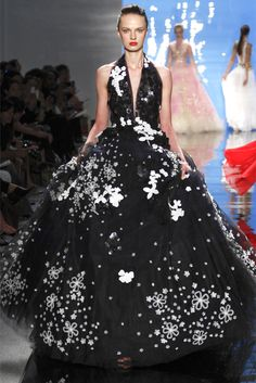 I'm coveting this gorgeous creation with every leftover childish princess-y bone in my body. [Reem Acra Spring 2013 Collection | Tom & Lorenzo]
