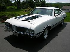 1970 Olds W-31... SealingsAndExpungements.com... 888-9-EXPUNGE (888-939-7864)... Free evaluations..low money down...Easy payments.. 'Seal past mistakes. Open new opportunities.'