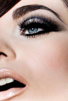 Very Retro Dramatic #Eye #Makeup