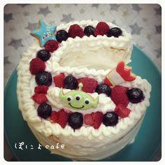 ぽにょ's dish photo ハーフバースデーケーキ | http://snapdish.co #SnapDish #レシピ #電子オーブンレンジ、再発見! #おやつ #パーティー #ケーキ