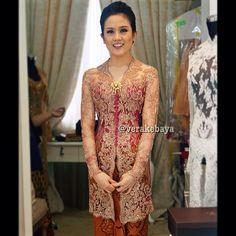 Vera Kebaya, Kebaya Lace, Kebaya Brokat, Kebaya Dress, Batik Kebaya, Batik Dress, Dress Brukat, Lace Dress, Hijabi Gowns