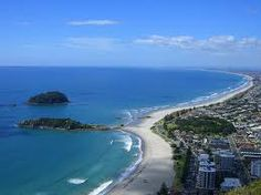 This was the beach my friends and I frequently went to when I lived in New Zealand! Mount Maunganui, New Zealand Best Places To Live, Beautiful Places To Travel, Tauranga New Zealand, New Zealand Beach, Mount Maunganui, Living In New Zealand, Free Vacations, The Beautiful Country, Beautiful Scenery