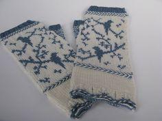 Fingerless birdy mitts