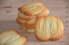 Biscuit W hyper fondants Eid Food, Desserts With Biscuits, Cake & Co, English Food, Recipe Images, Fondant, Baking Recipes, Eid Recipes, Coco