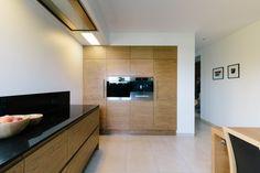 Modern wooden kitchen with black worktops Wooden Kitchen, Flat Screen, Modern, Home, Kitchen Ideas, Beautiful, Black, Timber Kitchen, Blood Plasma