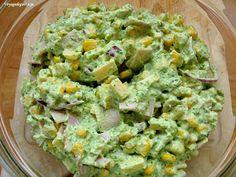 Voyagedegustacje : Sałatka z brokułem szynką i serem