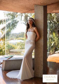 Pronovias collectie 2021 | Premium Dealer | Trouwjurk WILLIAMS Chic Wedding Dresses, Classic Wedding Gowns, Gorgeous Wedding Dress, Bridal Dresses, Rembo Styling, Pronovias Dresses, Pronovias Wedding Dress, Bohostyle, Cocktail Gowns