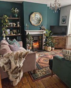 Home Interior Hamptons How To Use Dark Green in Your Living Room Melanie Jade Design.Home Interior Hamptons How To Use Dark Green in Your Living Room Melanie Jade Design Dark Green Living Room, Boho Living Room, Home And Living, Green Living Room Ideas, Cosy Living Rooms, Living Room With Color, Dark Walls Living Room, Interior Design Living Room Warm, Teal Living Rooms