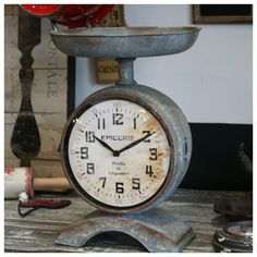 Not a vintage zinc scale/watch but very pretty