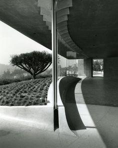 Silvertop residence in Silver Lake. Lautner.