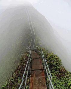 Haiku Stairs (Stairway to Heaven), hiking trail on Oahu, Hawaii