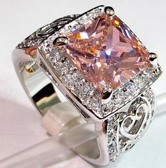 WOW!! BEAUTIFUL Pink Kunzite Gemstone  ring I would literally faint if I was given this!!!