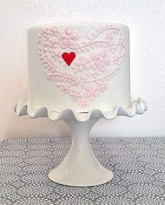 Cute Single Tiered Pink Flower Heart Love Cake