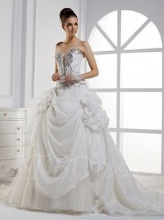 Tbdress.com offers high quality A-line Sweetheart Floor-length Wedding Dress With Beading  Vintage Wedding Dresses   unit price of $ 253.99.