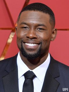 Actor Trevante Rhodes arrives on the red carpet for the annual Academy Awards at the Dolby Theatre in the Hollywood section of Los Angeles on February Photo by Jim Ruymen/UPI Fine Black Men, Gorgeous Black Men, Handsome Black Men, Beautiful Men, Male Beauty, Top Beauty, Black Beauty, Fine Boys, Raining Men