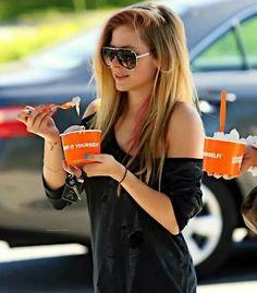 Avril Lavigne eating ice cream