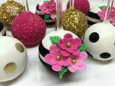 Kate Spade Themed cake pops made by Jennie of The Cake Pop Shop in Jacksonville Florida