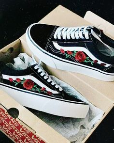usually not a vans girl yet the roses just look so good, maybe if the base colour was pink instead of black then i would like it even more