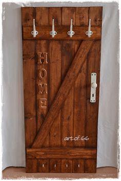 Wardrobe, old door - Pallet ideas Woodworking Projects Diy, Pallet Projects, Pallet Ideas, Door Furniture, Rustic Furniture, Entry Hallway, Old Doors, Farmhouse Decor, Diy Home Decor